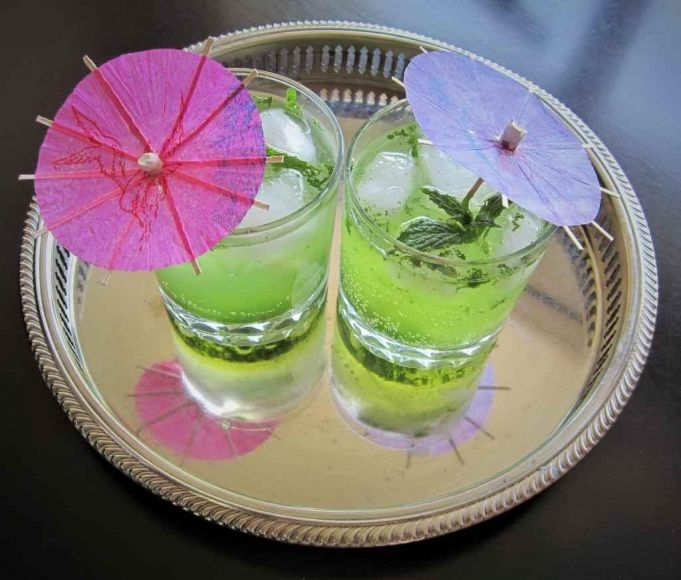 b_681_580_6038113_00_images_stories_2021Summer_BuildBetterCocktail_LM1_mojitos.jpg